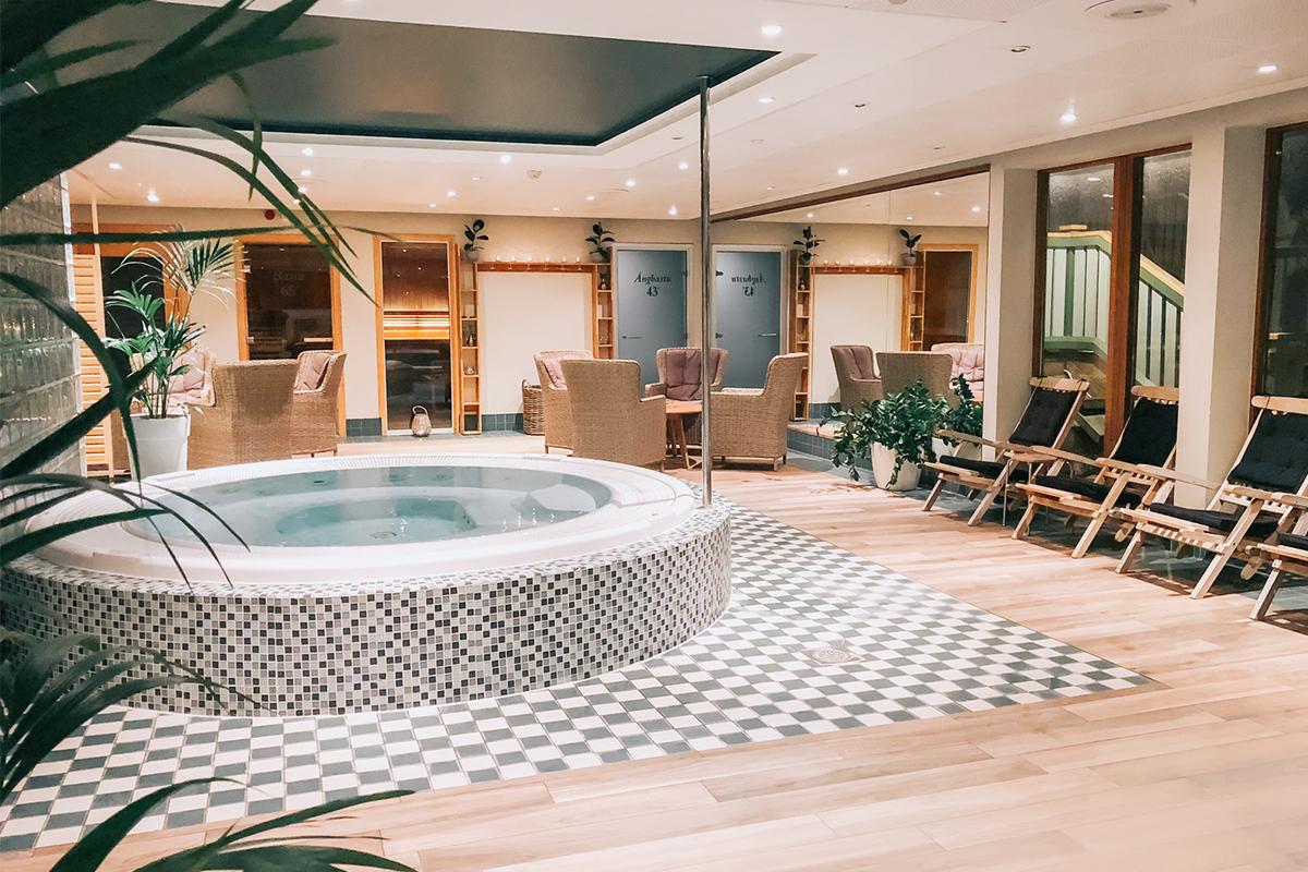 Smögens Hafvsbad spa och bubbelpool på spaavdelning.
