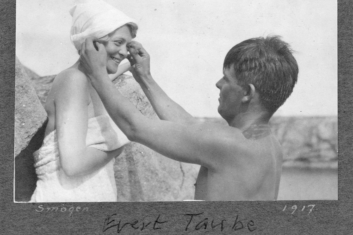 Evert Taube på Smogen 1917