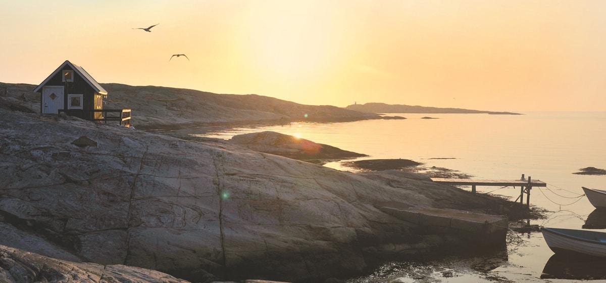 Solnedgång över Smögen och Hotell Smögens Hafvsbad, påskpaket på Smögen