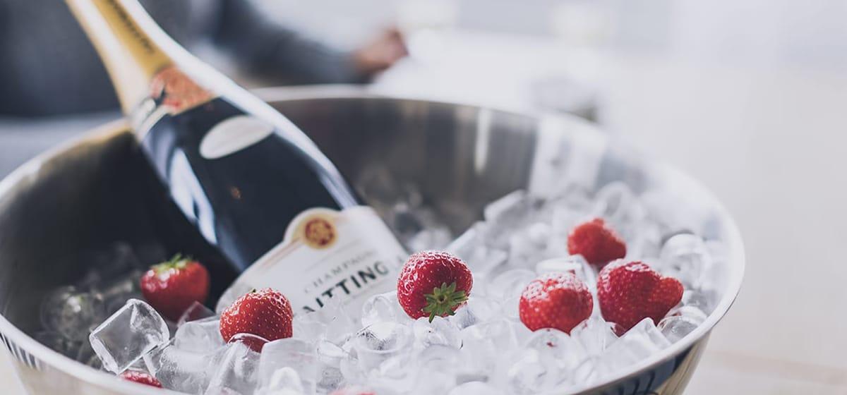 Champagne och jordgubbar på Smögens Hafvsbad